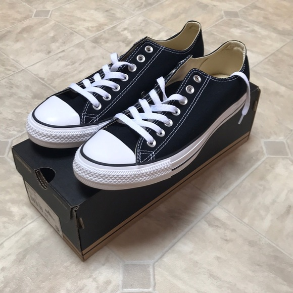 8a05e6e73b NIB CONVERSE All Star Shoes in Black